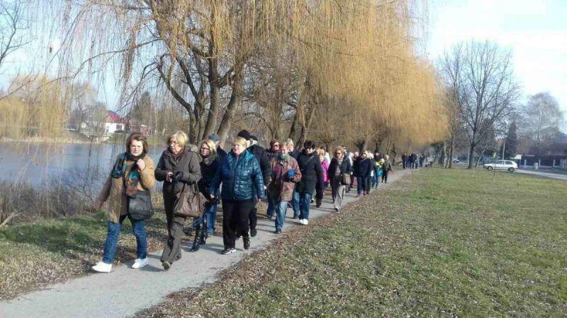 Provedena-akcija-Hodanjem-do-zdravlja-u-Vinkovcim05